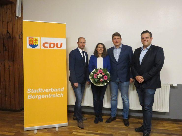 v.l.n.r.: Stadtverbandsvorsitzender Alexander Otto, Michaela Aisch, Bürgermeisterkandidat Nicolas Aisch, Kreisgeschäftsführer Fabian Lülff
